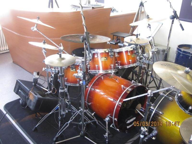 Rock kit docent front
