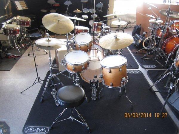 Jazz drumkit student Odery Eyedentity Imbuia Fade Back