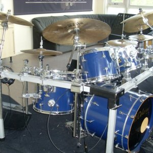 Drumles-Rock-kit-Odery-Custom-student-front