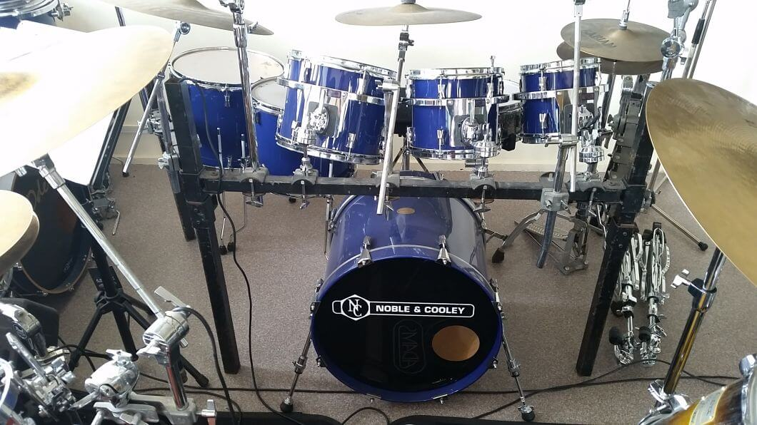 For sale gorgeous Noble and Cooley 6-piece drumkit