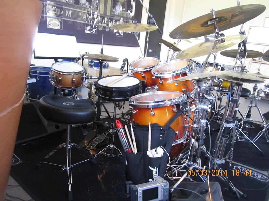 Rock drumkit docent back